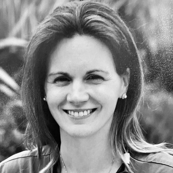 Dr. Anna Martin